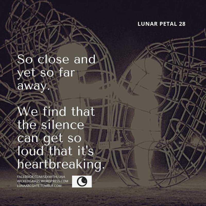 Lunar petal 28